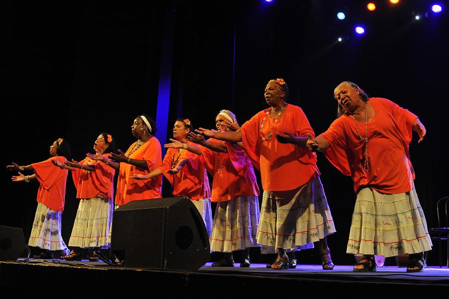 Grupo Meninas de Sinhá - Apresentação
